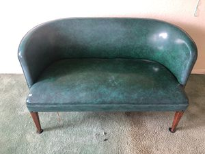 Beautiful seete antique chair very good condition for Sale in Santa Ana, CA