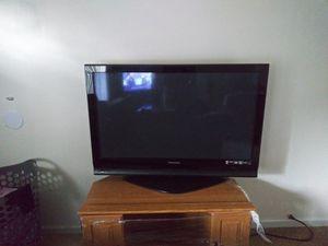 42 inch Panasonic TV for Sale in Hazelwood, MO