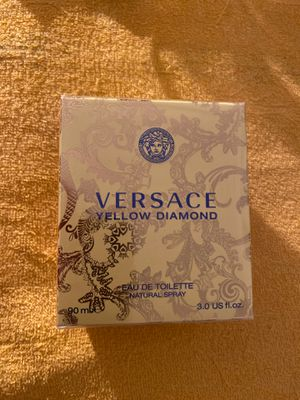 VERSACE YELLOW DIAMOND for Sale in Rowland Heights, CA