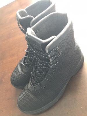 Jordan boots black size 9 1/2 for Sale in Hagerstown, MD