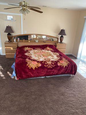 King bed room set for Sale in El Cajon, CA