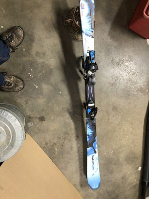 SALOMON Ladies/Youth Snow Skis 144cm for Sale in Reedley, CA