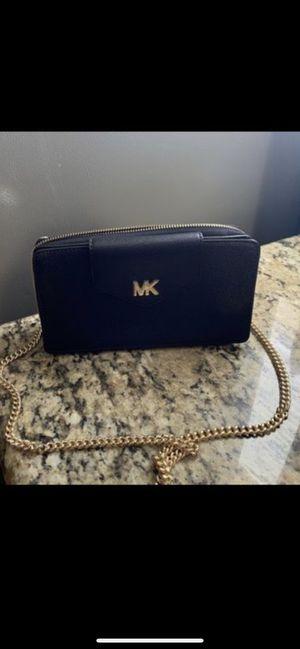 Michael kors wallet for Sale in Grand Prairie, TX