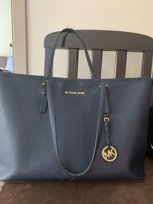 Micheal kors bag for Sale in Austin, TX