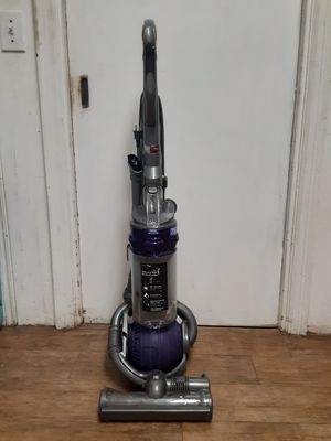 Dyson DC 25 Ball Vacuum for Sale in Gulfport, FL