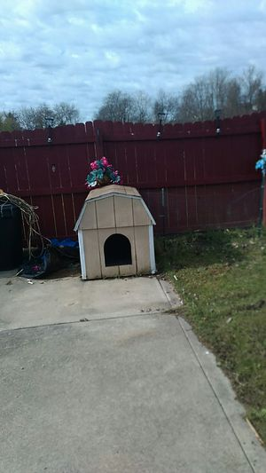 Amish built dog house for Sale in Irwin, PA