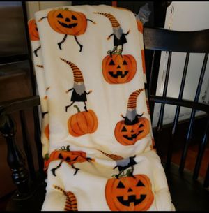 New Halloween gnome pumpkin throw blanket for Sale in Santa Fe Springs, CA