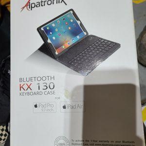 IPad Pro Wireless Keyboard Case for Sale in Southgate, MI