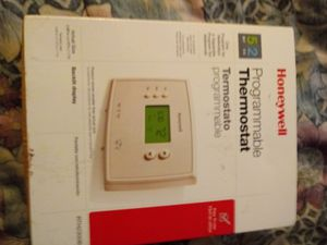 Brand new honeywell model rth2300b programable thermostat for Sale in Saint Petersburg, FL