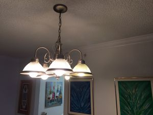 Good condition chandelier for Sale in Hollywood, FL