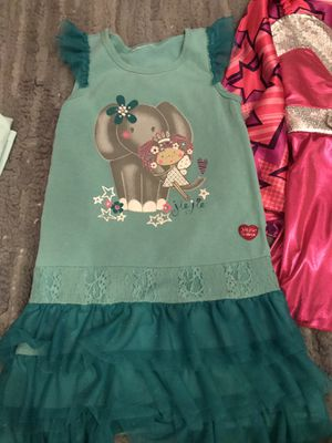 Little girl clothes fits 6:7yl for Sale in Franklin Park, IL