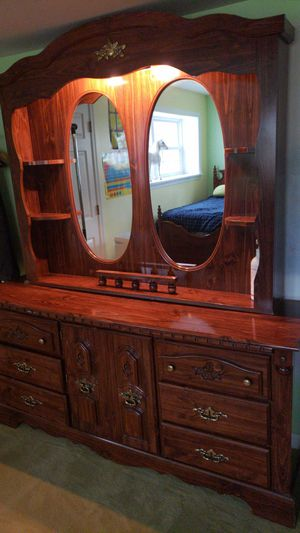 BEAUTIFUL BEDROOM FURNITURE FOR SALE!!! for Sale in North Bethesda, MD
