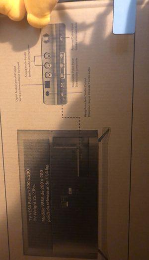 """Flat screen tv 43"""" for Sale in Lowell, MI"""