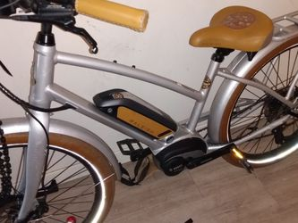 Raleigh Electric Peddal Assist Bosh Motor for Sale in Seattle,  WA
