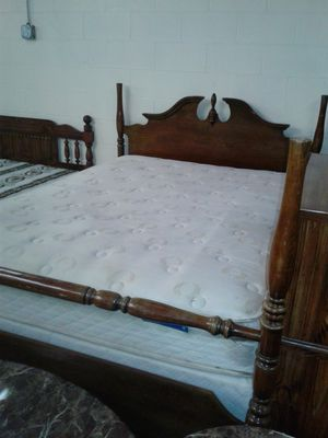QUEEN SIZE BED!!! for Sale in Charlotte, NC