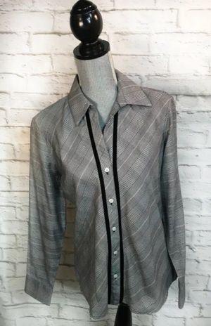 NWT Van Heusen Womens Shirt Sz 8-10 for Sale in Princeton, NJ