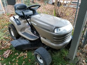 Riding lawn mower for Sale in Puyallup, WA