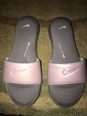 Nike Slides Size 8 for Sale in Miami, FL