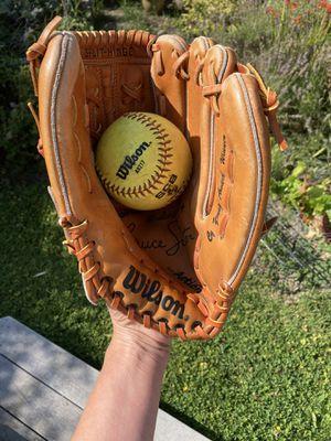 Wilson Softball or Baseball Glove for Sale in Lakewood, WA