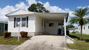 Adorable 2/2 in 55+ resort style community for Sale in Ellenton, FL