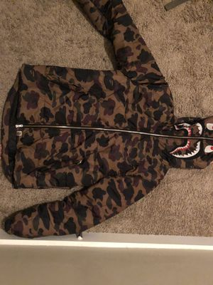 Bape WGM BUBBLE COAT for Sale in Baton Rouge, LA