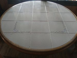 "42"" round dinning/ kitchen Table for Sale in Danvers, MA"
