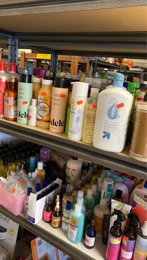 New shampoo, conditioner and other hair care items ALL HALF OF RETAIL for Sale in Puyallup, WA