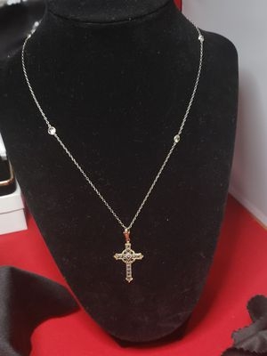 vintage 14 kt solid white gold chain with 10 kt and stirling silver cross.. great condition.. for Sale in Meriden, CT