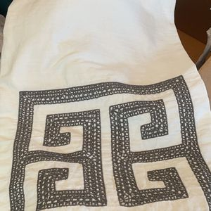 Threshold Shower Curtain White Gray GUC for Sale in Brainerd, MN