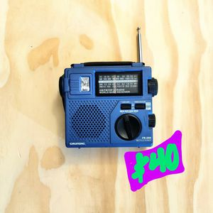 Grundig Emergency Rechargeable - Wind Up World Emergency Radio for Sale in Tustin, CA
