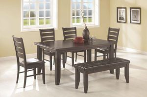 Dining Table With 4 chairs and a bench for Sale in Ontario, CA