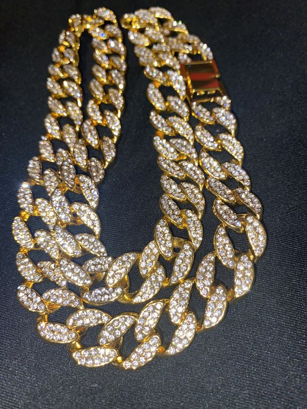Iced Out Cuban Link, Cubic Zirconia (Gold Color)