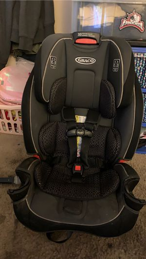 Newborn car seat all the way to toddler booster seat! 4-1 car seat for Sale in San Bernardino, CA