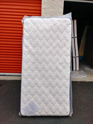 Twin size Mattress & Boxspring for Sale in Puyallup, WA