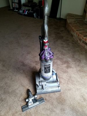 Dyson Vacuum cleaner for Sale in Arlington, TX