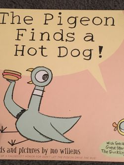 The Pigeon Finds A Hot Dog by Mo Willems hardcover book for Sale in Cupertino,  CA