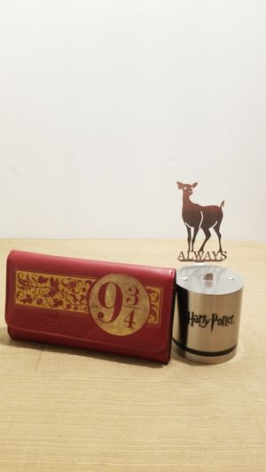 HP wallet and lamp for Sale in Springfield, VA
