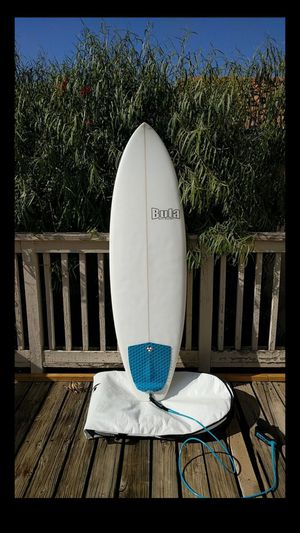 "Bula 5'10"" Quad Fin Surfboard, Clean with Dakine Bag for Sale in Trabuco Canyon, CA"