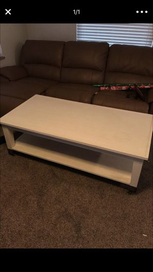Coffee table. for Sale in Pittsburgh, PA