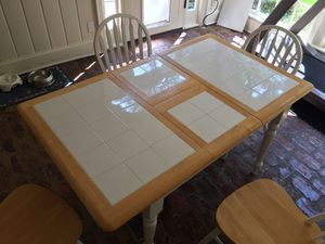 Kitchen table with extender and 4 chairs for Sale in Atlanta, GA