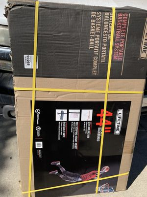 Life time portable basketball hoop for Sale in Los Angeles, CA