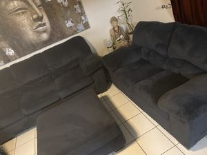 Navy blue Sofa, Loveseat & Ottoman in good condition for Sale in Miami, FL