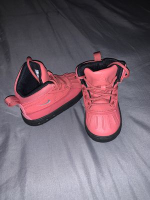 Pink Nike Boots for Sale in Fort Washington, MD