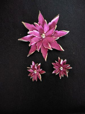 Beautiful pink flower brooch and earrings for Sale in Aspen Hill, MD