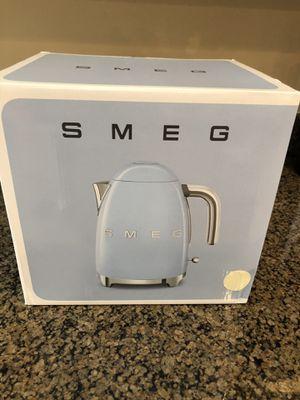 SMEG Italian retro electric kettle (Cream) for Sale in Atlanta, GA