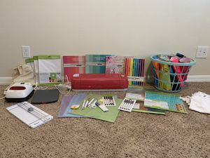 Cricut Explore Air 2 Bundle with Easy Press 2 for Sale in Tampa, FL