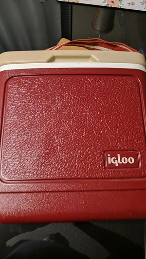 Igloo tag along 8 for Sale in Riverside, CA