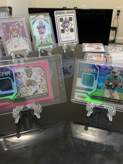 Tua Silver Jalen hurts Pink Rookie Gear Cards Nfl Prizm for Sale in St. Augustine,  FL