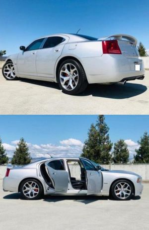 2006 Dodge Charger SRT8 price 1000$ for Sale in Edison, NJ