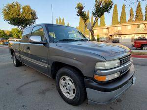 2001 Chevrolet Silverado pickup Clean Title for Sale in Downey, CA